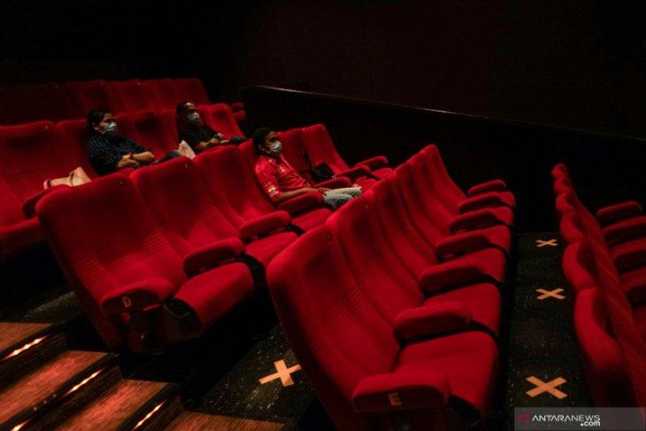 Bioskop kembali dibuka, tapi pengunjung harus keluar tiap 30 menit? Benarkah itu?
