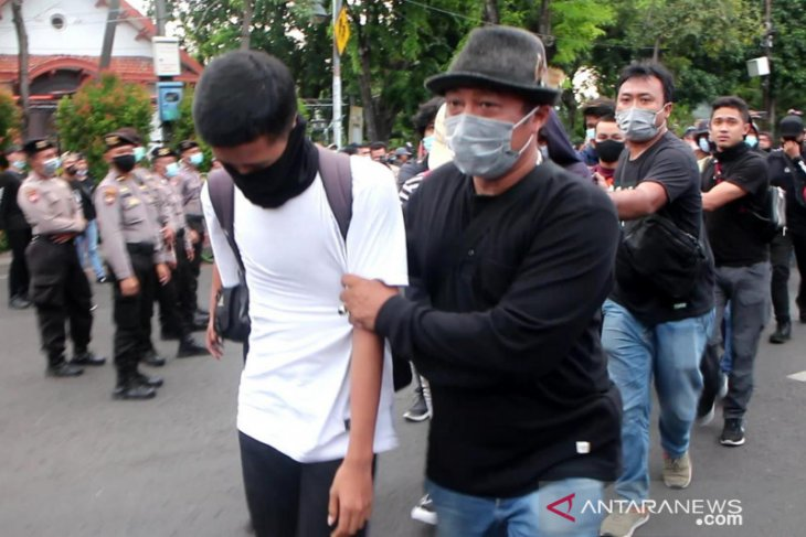 Polisi identifikasi enam pelajar saat unjuk rasa tolak UU Cipta Kerja