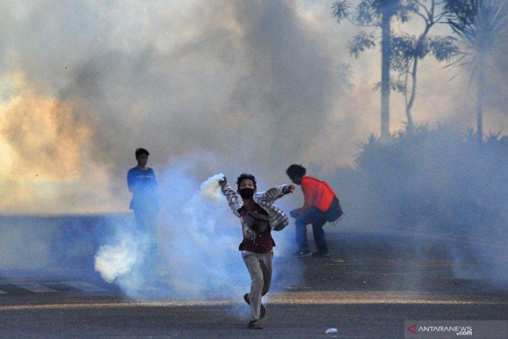 Perwira polisi nyamar jadi mahasiswa buat demo rusuh? Ini faktanya