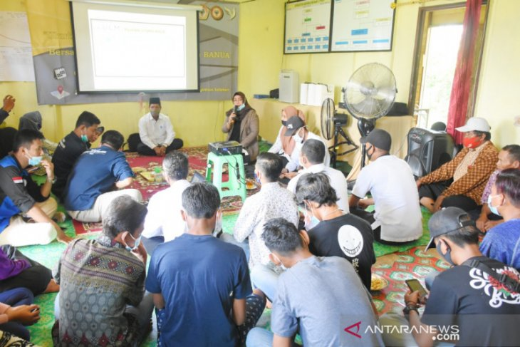 ULM arouses villagers interest for a lecture