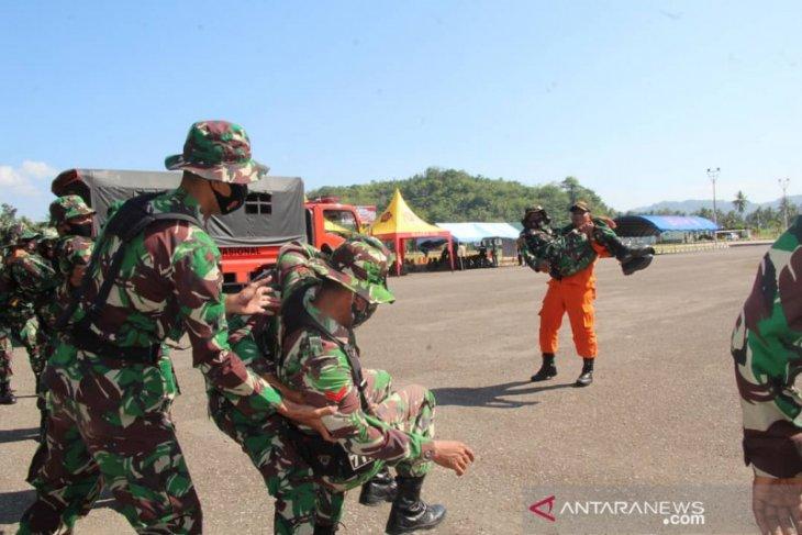 Korem 133/NW Gorontalo latihan penyelamatan korban bencana banjir