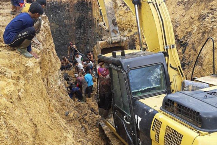 11 orang meninggal akibat longsor di Muara Enim