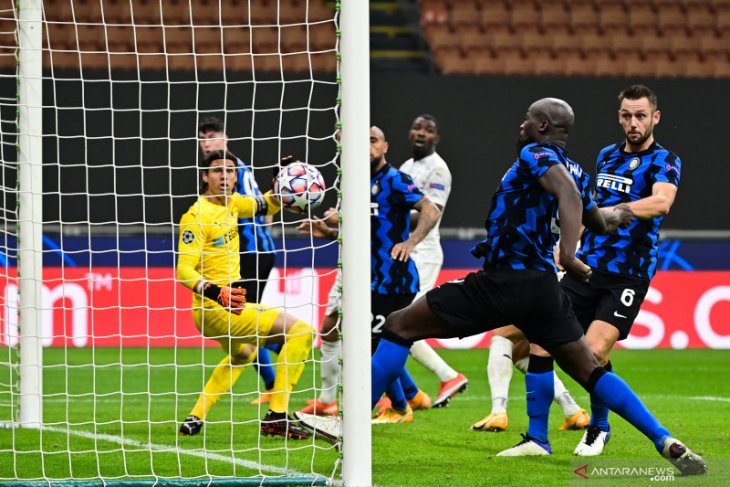 Liga Champions - Dua gol yang dicetak Lukaku amankan hasil imbang 2-2 Inter lawan Gladbach