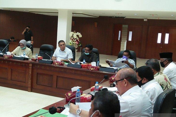 Perindag  Peniadaan Dinas SDM berdampak penghitungan kuota minyak tanah di Maluku