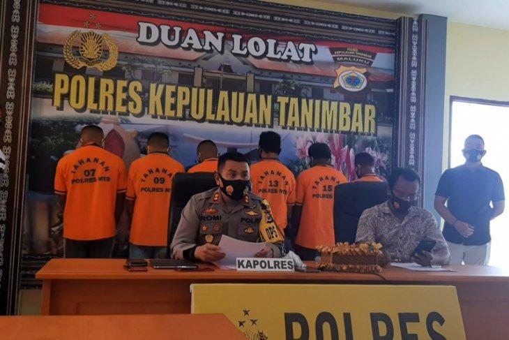 Polres Kepulauan Tanimbar tetapkan enam tersangka pencuri sel surya Bandara Mathilda
