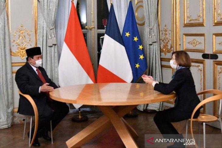 Ringkasa berita, Prabowo tertinggi disurvei hingga JK bertemu Paus Fransiskus