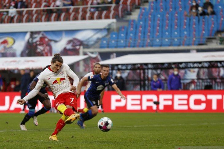 Liga Jerman - Leipzig pertahankan posisi puncak klasemen lewat kemenangan 2-1 atas Hertha