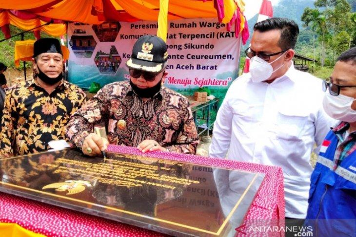 Wakili Plt Gubernur Aceh, Bupati Aceh Barat berharap warga Sikundo mandiri, dan tidak tinggalkan rumah bantuan