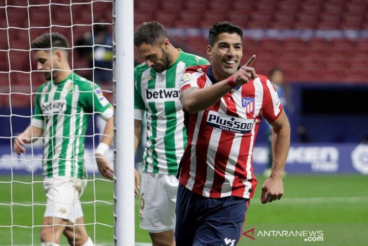 Liga Spanyol, Suarez lanjutkan kesuburan saat Atletico Madrid bungkam Real Betis 2-0