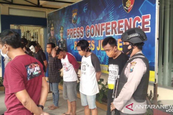 Lima pelaku perusakan gedung DPRD Jember ditetapkan tersangka
