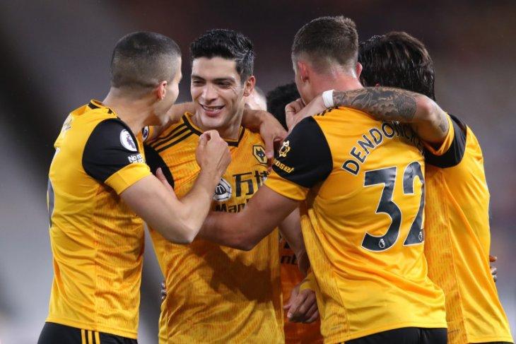 Gol Jacob Murphy selamatkan Newcastle dari tekanan Wolves