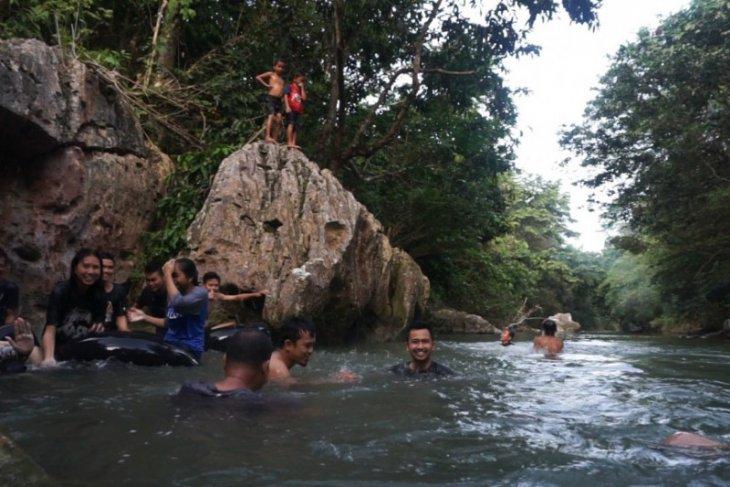 Wisata air sungai Loyu Bile  cocok untuk  keluarga