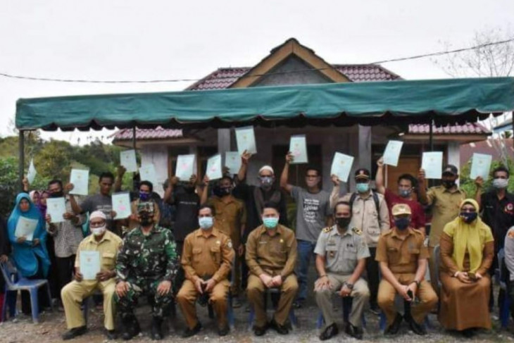 Pemkab Bener Meriah serahkan 226 sertifikat tanah kepada warga