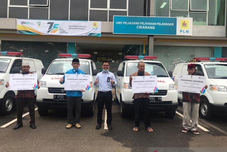 PLN Cikarang salurkan bantuan mobil ambulans ke empat yayasan