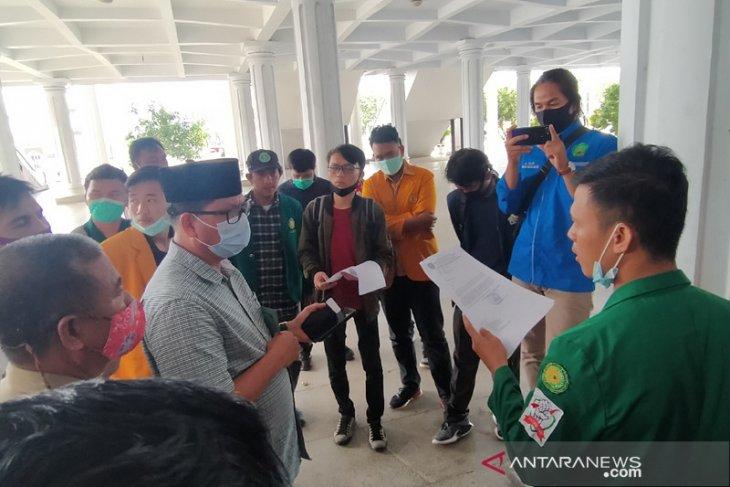 Mahasiswa Bengkulu pertanyakan aspirasi tolak Omnibus Law diteruskan DPRD ke pusat