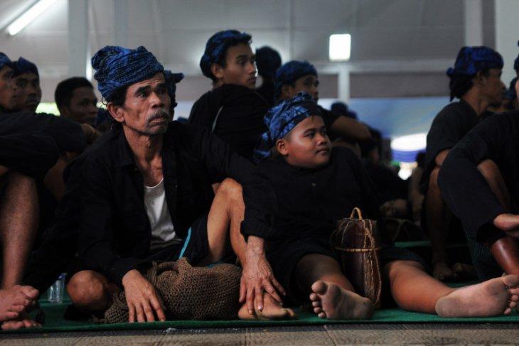 Terima bantuan sosial sembako, warga Baduy mengaku senang