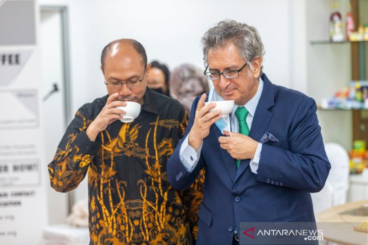 Indonesian coffee draws praises from Singaporean Coffee Association