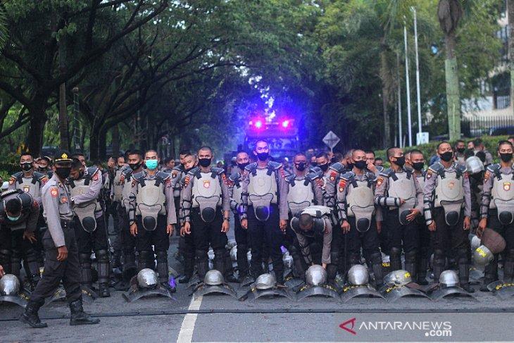 Pengamanan Aksi Mahasiswa Di Banjarmasin