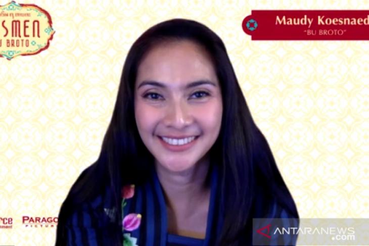 Maudy Koesnaedi perankan karakter Bu Broto