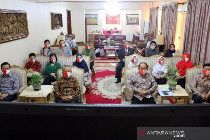Staf KBRI Pyongyang tinggalkan Korut lewat China