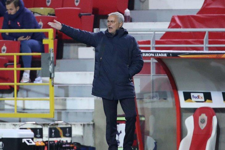 Liga Europa: Mourinho ingin ganti 11 pemain Tottenham saat istirahat lawan Antwerp