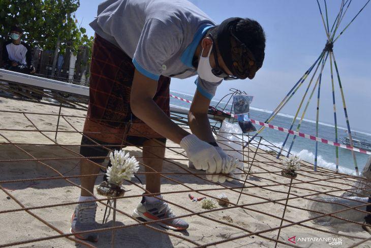 KKP: Masyarakat mulai rawat kebun karang di perairan Bali