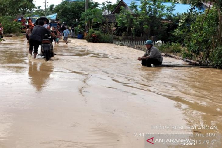 Luapan air sungai Tebing Tinggi berimbas ke Kecamatan Awayan