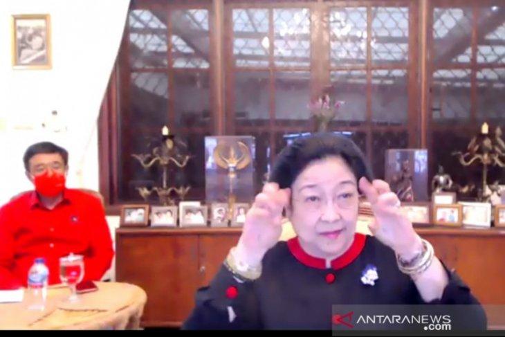 Megawati rileks tanggapi  pro kontra soal milenial jangan dimanja