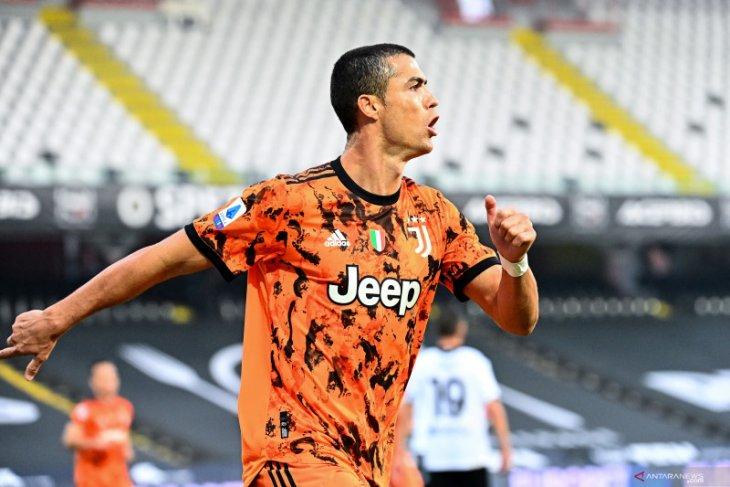 Ronaldo dua gol saat Juve menang besar 4-1