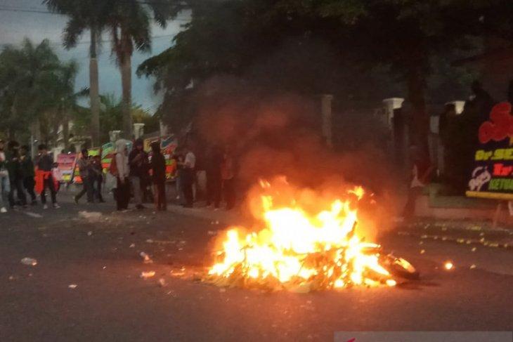 Polda Jambi tangkap pembakar motor polisi saat unjuk rasa