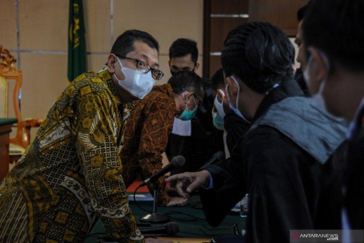 Mantan Dirut PT Dirgantara Indonesia Budi Santoso dieksekusi ke Lapas Sukamiskin