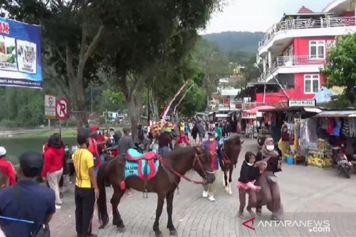 Wisata Telaga Sarangan Magetan dikunjungi 32 ribu orang saat libur panjang