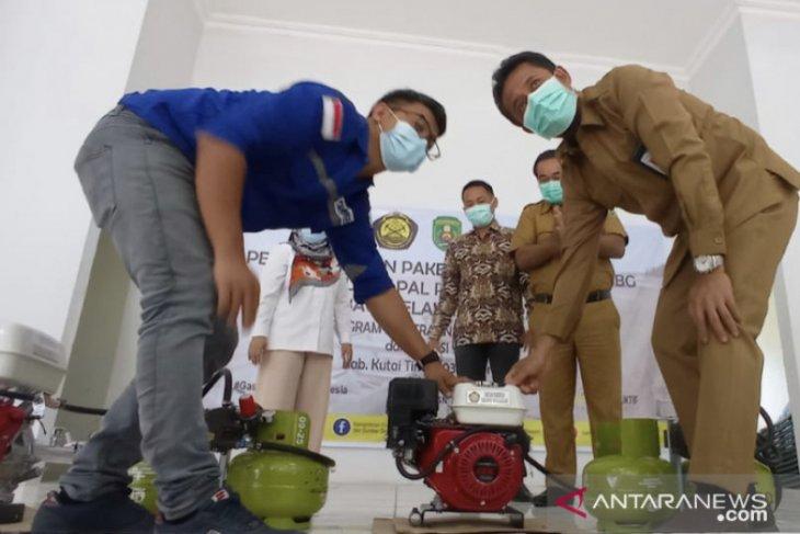 320 nelayan Kutai Timur dapat bantuan paket alat konverter kit