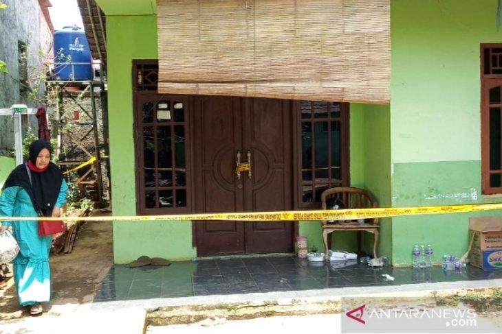 Warga Bogor kembali temukan mayat perempuan dalam sumur