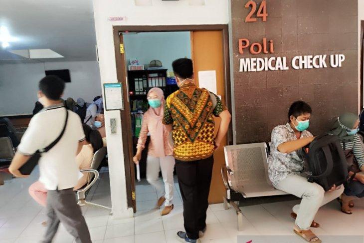 Ratusan CPNS jalani tes kesehatan di RSUD Tulungagung.