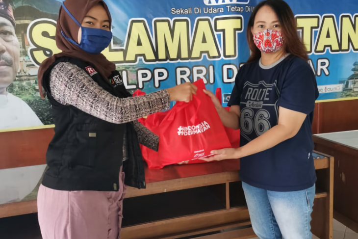 ACT Bali bagikan puluhan paket pangan kepada pekerja musik terdampak COVID-19