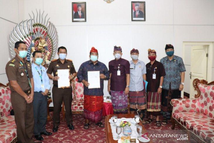 Pemkab-Kejari Buleleng bersinergi dalam penyelesaian hukum perdata-TUN