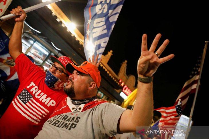 Sebagian besar rakyat Amerika Serikat tolak deklarasi kemenangan Trump