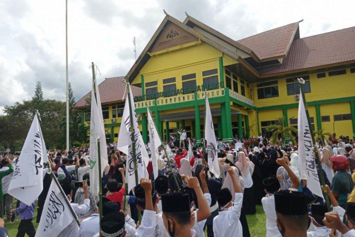 Mantan pejabat Aceh Tamiang berunjuk rasa, ini tuntutannya