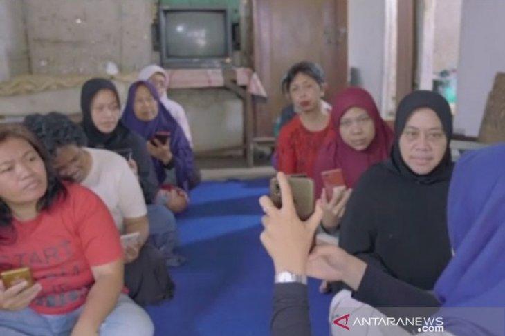 Nasabah PNM Mekaar Cempaka antusias ikuti PKU TUNM berbisnis online