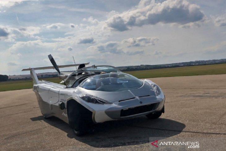 Uji coba Prototipe mobil terbang