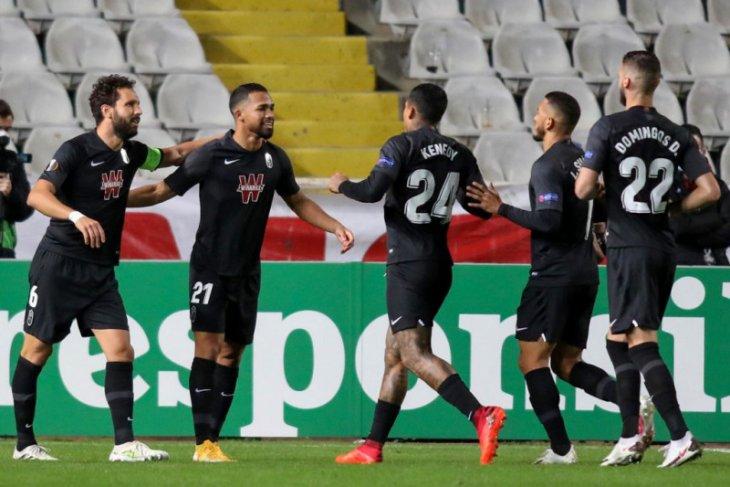 Granada taklukkan Valencia pada laga yang dinodai tiga kartu merah