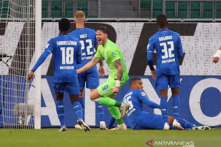 Wolfsburg menghantam Hoffenheim untuk perpanjang catatan tidak terkalahkan