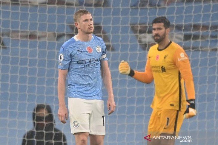 Liga Inggris - Kevin de Bruyne gagal  tendang penalti, City vs Liverpool imbang 1-1