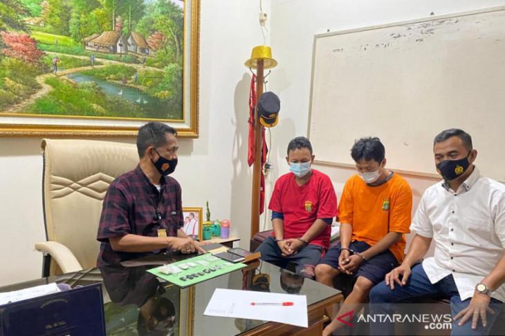 Tukang ojek online merangkap kurir sabu ditangkap polisi di Bekasi