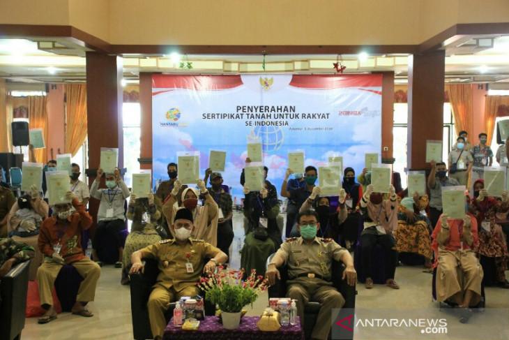 BPN HSU bagikan 2.166 sertifikat tanah