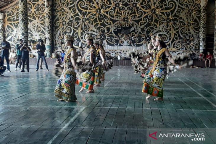 Pesona Desa Budaya Lekaq Kidau
