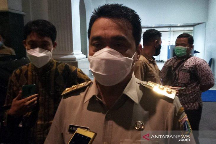 Operasional kendaraan umum di Jakarta dibatasi hingga pukul 20.00 WIB mulai Jumat