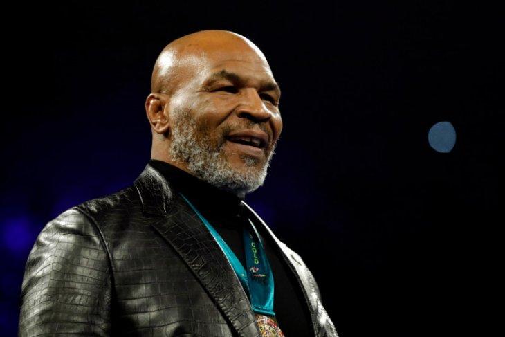 Mike Tyson akan terus bertarung setelah duel dengan Roy Jones Jr