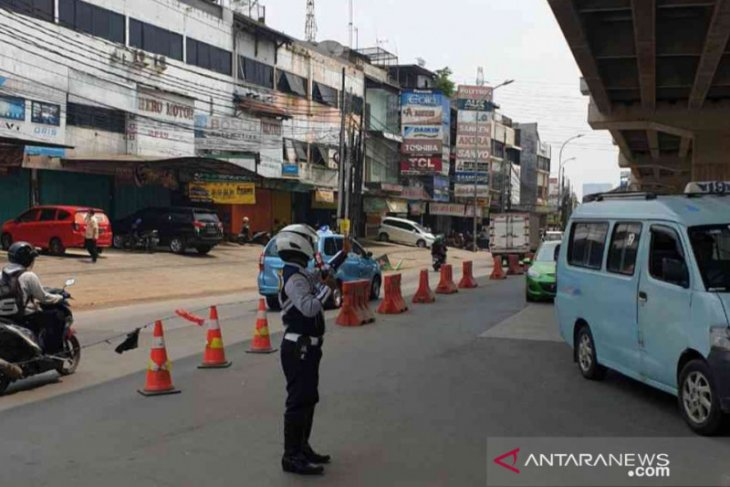 Pelebaran Jembatan Kali Cakung, lalu lintas Jalan KH Noer Ali dialihkan